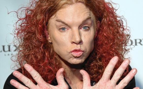 Carrot Top - Comedian who made a joke out of his own face